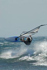 windsurf en saut