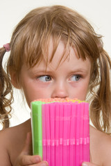 girl with straws