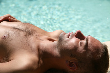 Bronzage à la piscine #4