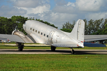 Classic silver airplane DOuglas DC-3