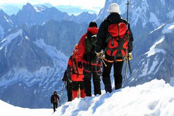 Alpinistes en haute montagne
