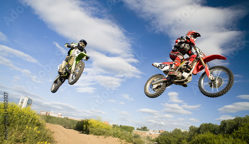 Tuinposter Motorsport synchronous jump