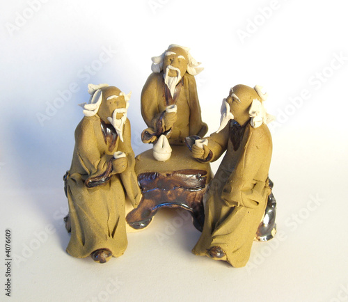 Figuline of three dao oldmans with mugs