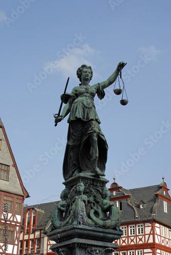 Justitia auf dem Frankfurter Römer