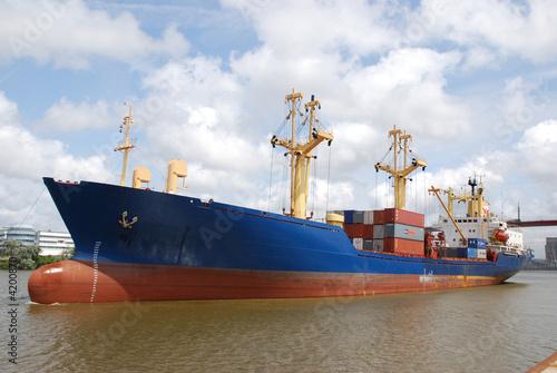 cargo, port de Nantes
