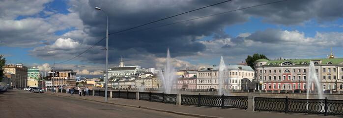 Bolotnaya quay