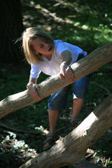 enfant  arbre