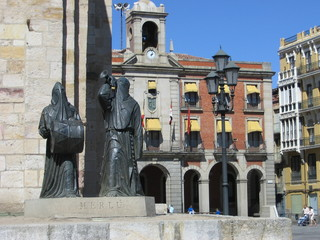 Zamotra, Plaza