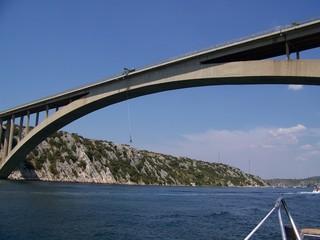 jump bridge
