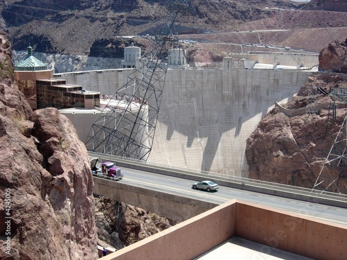 Leinwanddruck Bild Hoover Dam - parking lot view 1