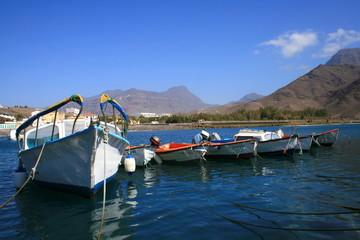barcas en el puerto de San Nicolas, Gran Canaria