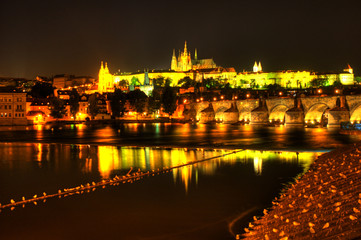 Praga at night