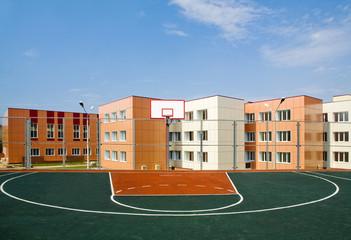 school basketbal yard