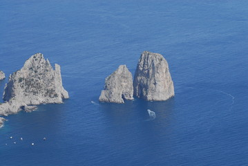 Scogliera e faraglioni, Capri