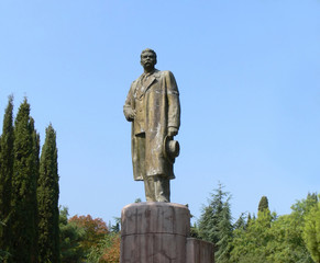 monument Maxim Gorky