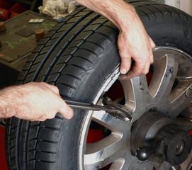 remplacement de pneu