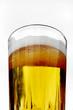 cerveza en vaso de vidrio