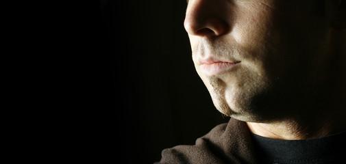 Portrait junger Mann mit Bart
