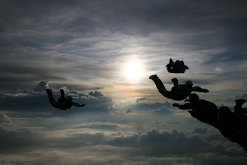 Silhouette Skydivers