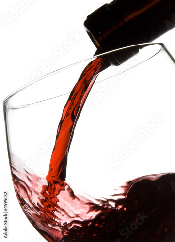 Deurstickers Bar Filling wine glass