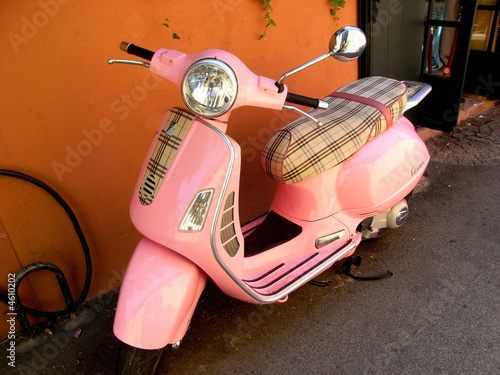 vespa rose stock photo and royalty free images on pic 4610202. Black Bedroom Furniture Sets. Home Design Ideas
