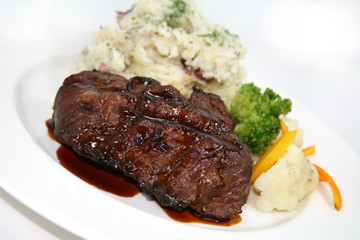 Beef and Garlic Mashed Potatoes