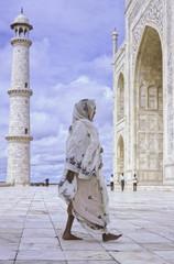 Taj Mahal woman-2a