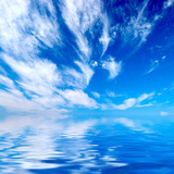 Fototapety blue sky over water