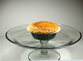 Potpie on pedestal 1