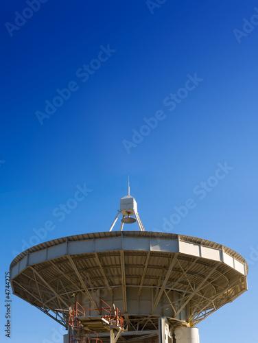 Plexiglas radio telescope