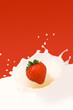 roleta: strawberry splashing in milk