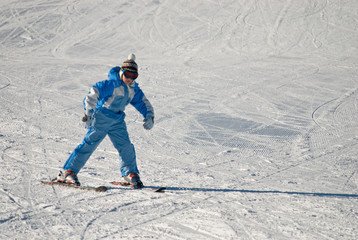 girlie skiing on the glacier