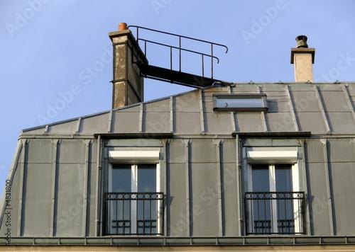 papier peint petite passerelle sur toit de zinc non paris parisiens. Black Bedroom Furniture Sets. Home Design Ideas