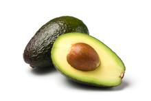 "Постер, картина, фотообои ""ganze und halbe avocado isoliert auf weiss"""