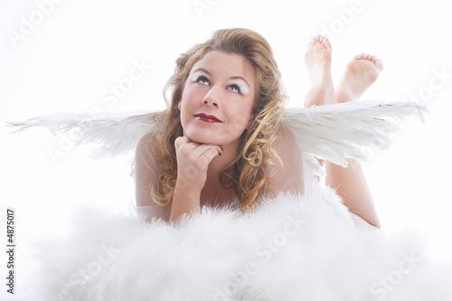 angel with wings and white cloud