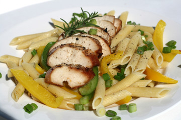 Pasta with Grilled Chicken and Peppers