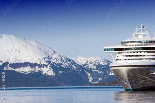 Cruise ship - 4941251