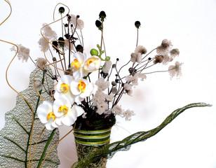 Vase mit Gräsern