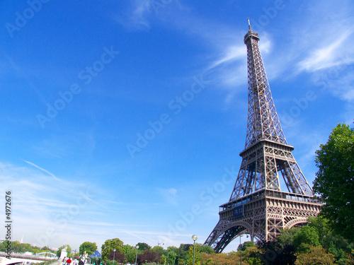 Tour Eiffel et ciel bleu, Paryż, Francja
