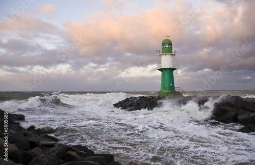 Leinwanddruck Bild Leuchtturm bei Sturm