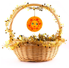 wooden sunny attached to the basket