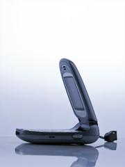 telefono cellulare a conchiglia