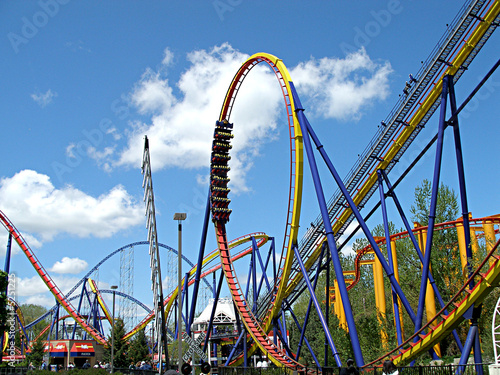 Plexiglas Carnaval Mantis Roller Coaster