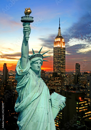 Foto Spatwand Historisch mon. The Statue of Liberty and New York City skyline