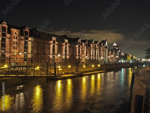 Speicherstadt Hafen Hamburg at night