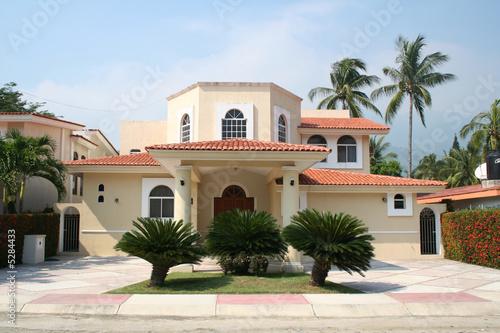 Aluminium Mexico luxury home