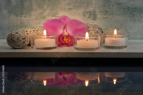 3 Kerzen mit Spiegelung