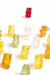 Gummibärchen, Gewalt, Rassismus