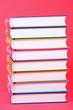 Acht Bücher