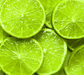green lemon slices